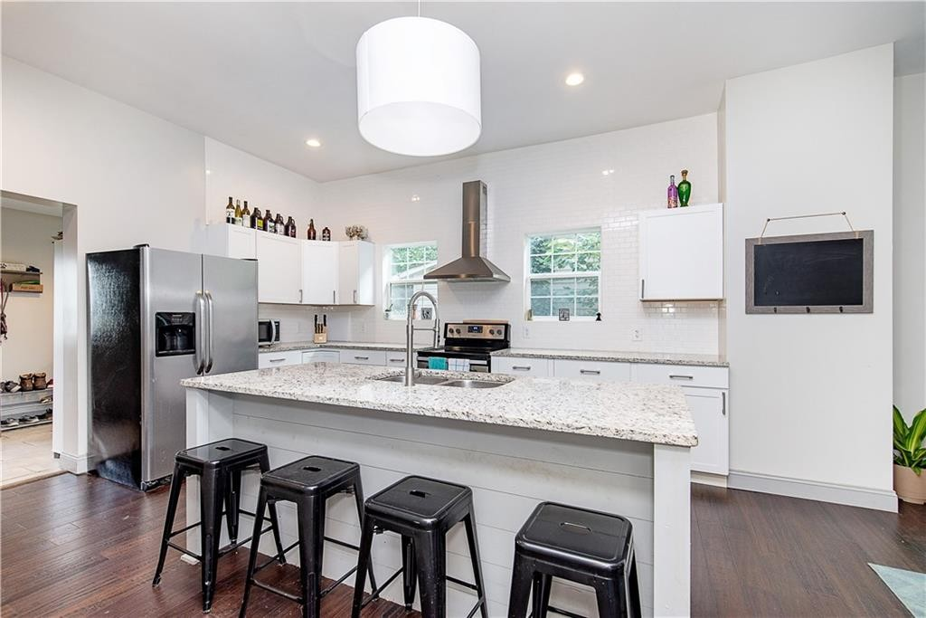 With the eat in kitchen counter, you may not need an additional dining area!